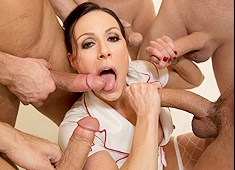 Kendra Lust MILF Makes A Protein Shake